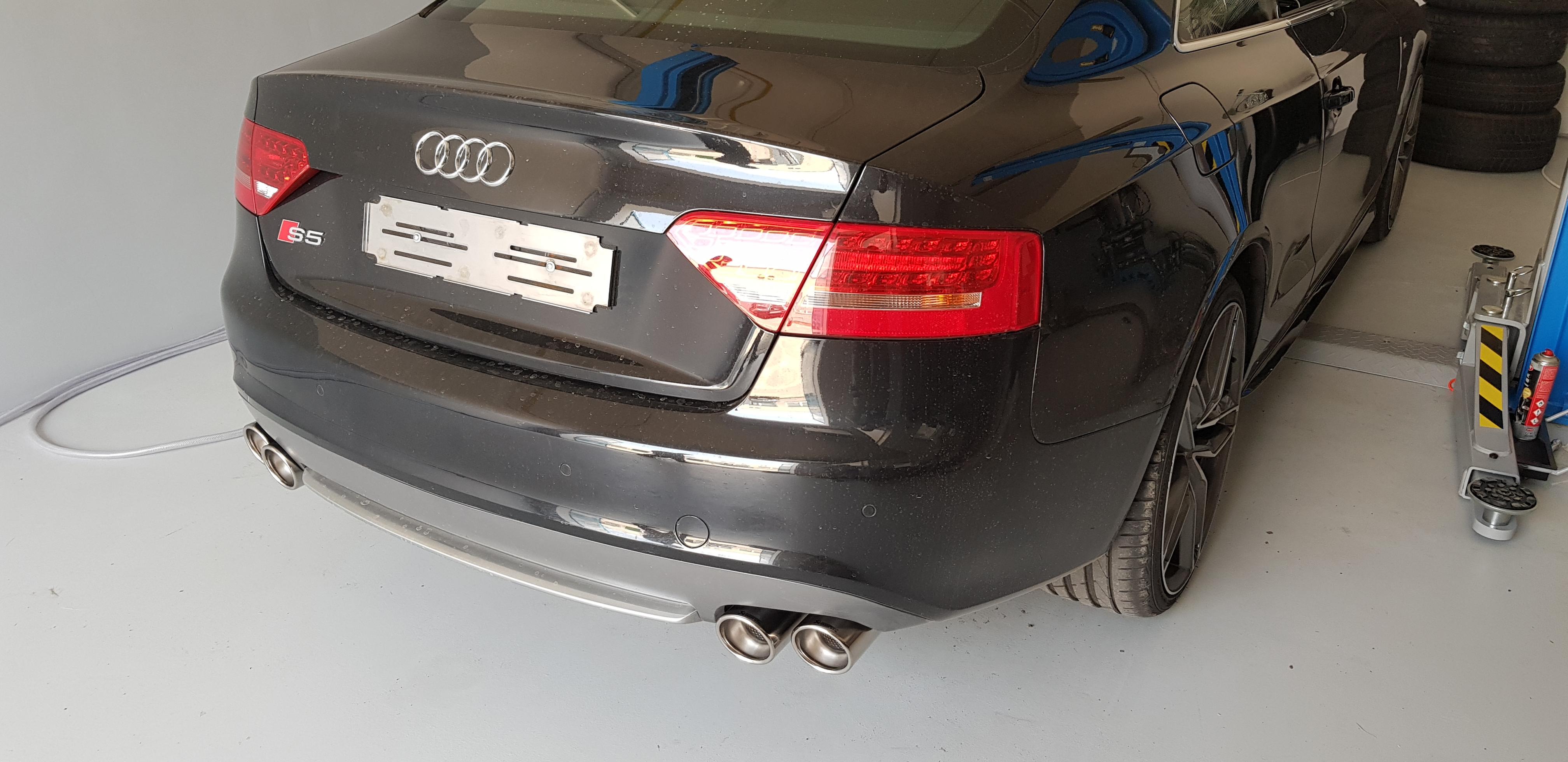 Audi_S5_Akrapovic_008