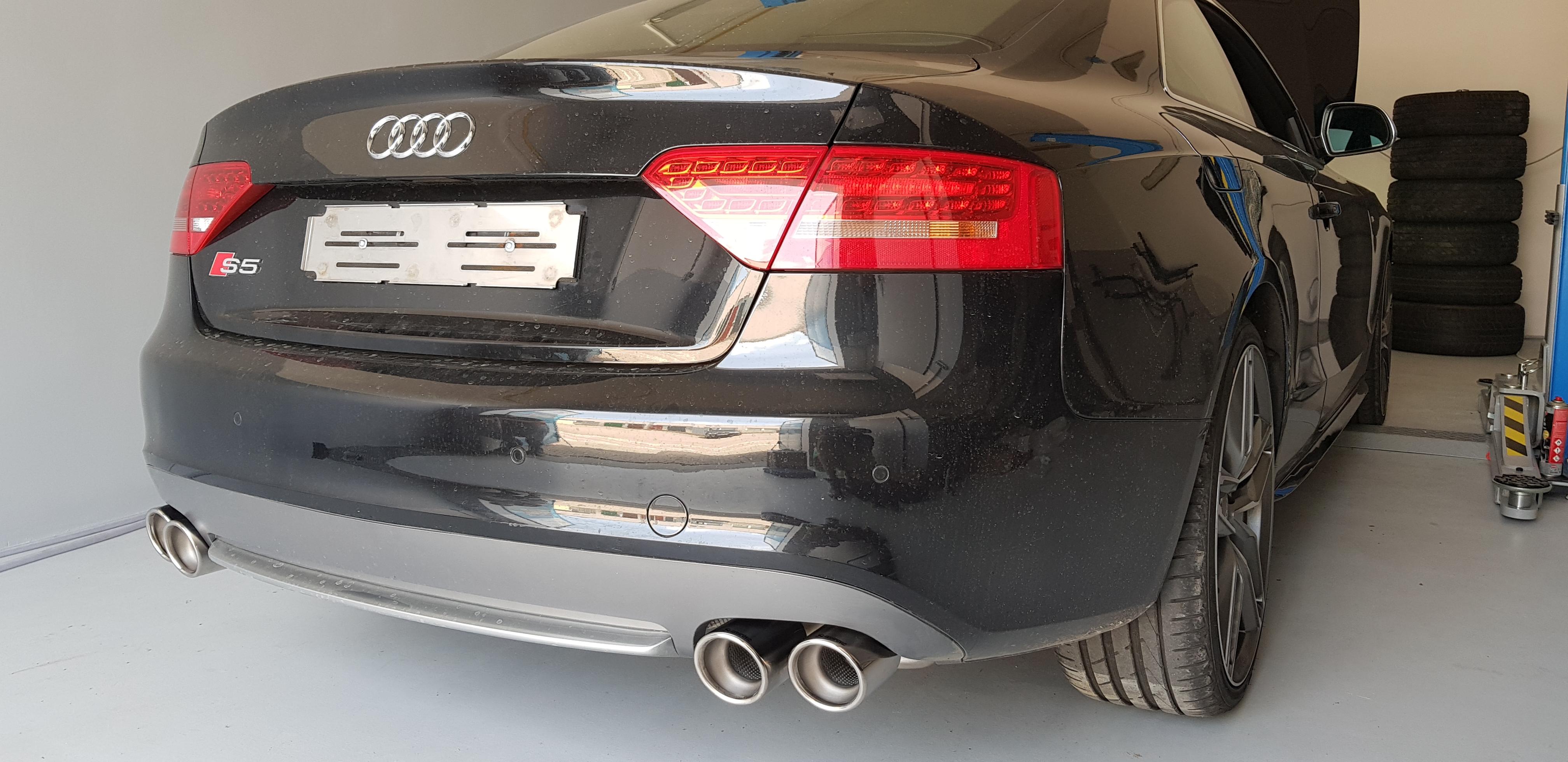 Audi_S5_Akrapovic_009